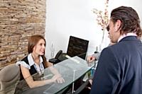 Avec une note moyenne de satisfaction de 6,7/10, la relation client en face-à-face séduit les consommateurs.