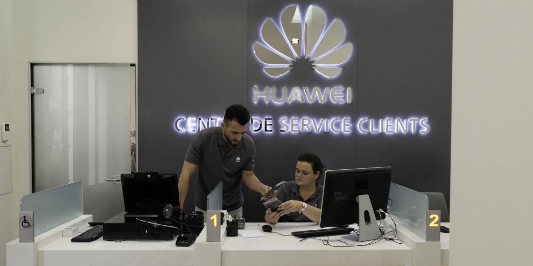 huawei inaugure son premier centre de service et d 39 exp rience clients en france. Black Bedroom Furniture Sets. Home Design Ideas