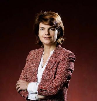 """Gaëlle Salaün, Directrice du service clients particuliers pour EDF : """"Assurer la relation client entre le numérique et l..."""