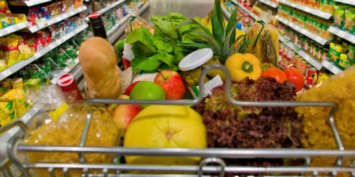 La grande distribution s'engage à mettre en avant des produits frais et locaux