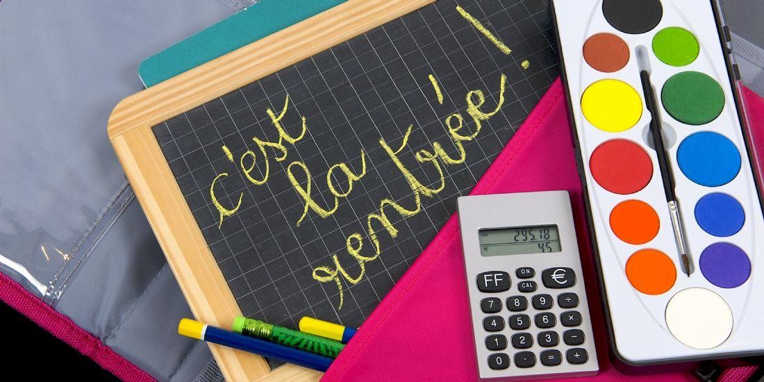 rentr u00e9e scolaire  la bataille des vendeurs en ligne face  u00e0 la grande distribution